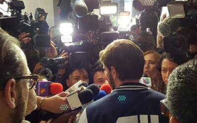 Julián Gil ofreció sus primeras impresiones a la prensa tr...