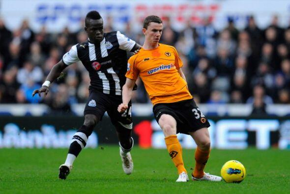 En otro de los duelos, Newcastle no pudo mantener una ventaja de 2 a 0 y...