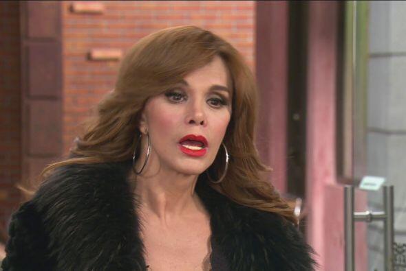 ¡Nada más y nada menos que Lucía Méndez! ¿Qué sucederá? No te pierdas To...