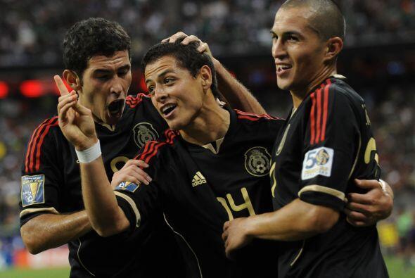 Javier Hernández demostró la clase de jugador que es, con...