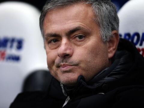 Mourinho siempre da un espectáculo aparte en el banquillo. Si el...