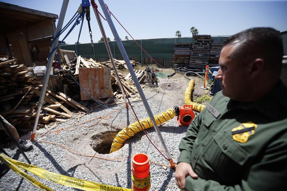 Agentes hallaron una tonelada de cocaína en ese túnel en San Diego.