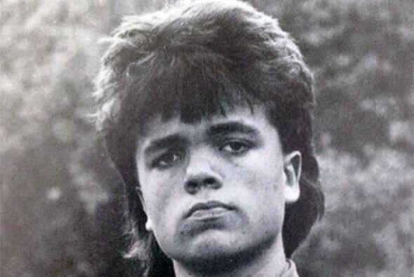 Con un look muy ochentero y a sus 18 años, así lucía Peter Dinklage, re...