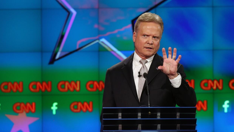 Webb se quejó de su poca participación en el debate demócrata
