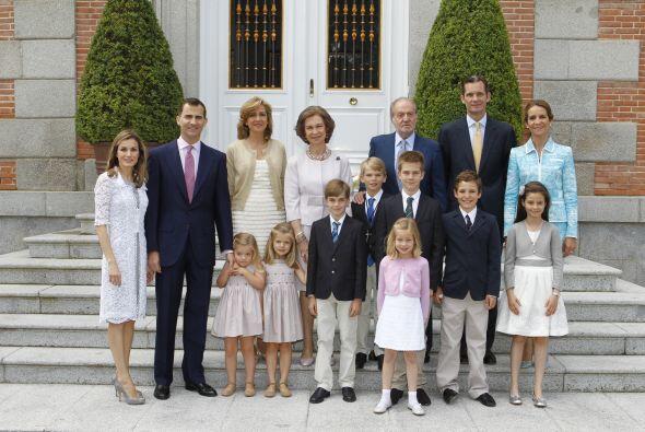 Pero eso no es todo ya que la monarquía española también recibe anualmen...