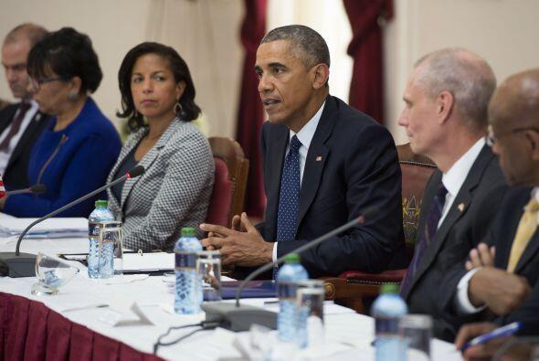 Obama habla durante la reunión.