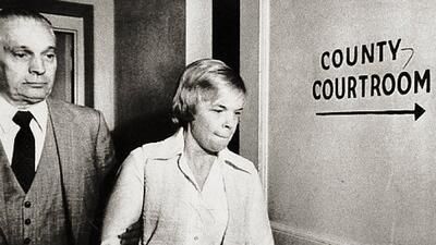 Asesinó a su niña hace 30 años y saldrá en libertad condicional bajo la sospecha de que mató a otros siete bebés