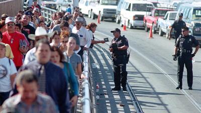 Agentes de la Oficina de Aduanas y Protección fronteriza