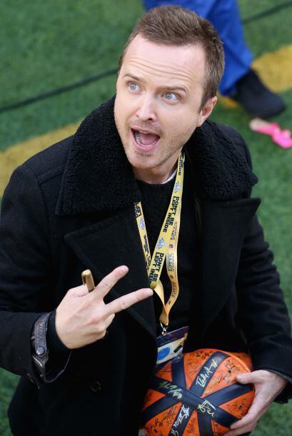 El actor Aaron Paul a punto de vivir el Super Bowl XLVIII.