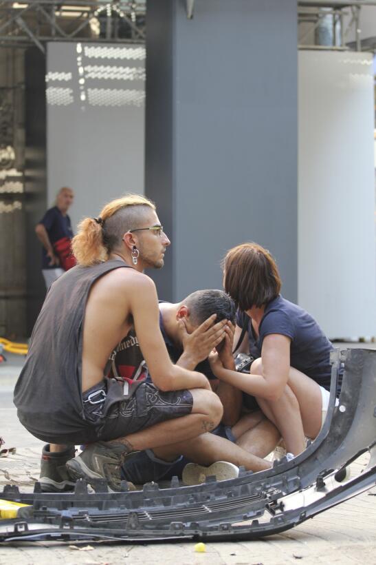En fotos: El brutal ataque terrorista en la Rambla de Barcelona 63638589...