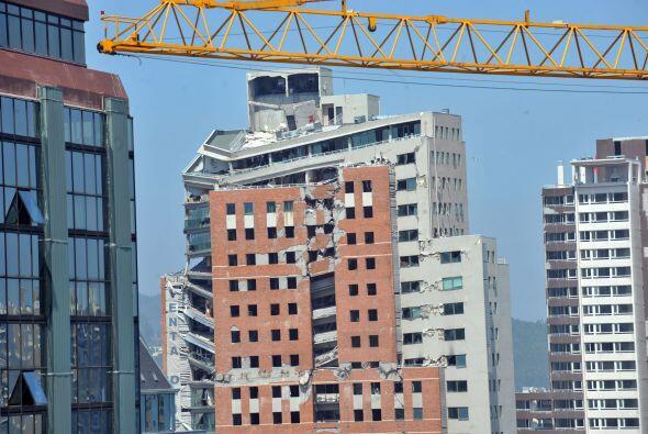"""Según el sismólogo Sergio Barrientos, las réplicas """"probablemente se ext..."""