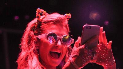 Paris Hilton armó tremenda fiesta en Ibiza