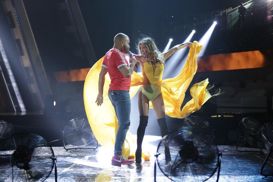 Nacho en los ensayos de Premios Juventud.