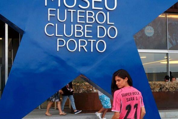 Sara Sampaio, modelo portuguesa, se ha declarado fan del equipo donde ju...