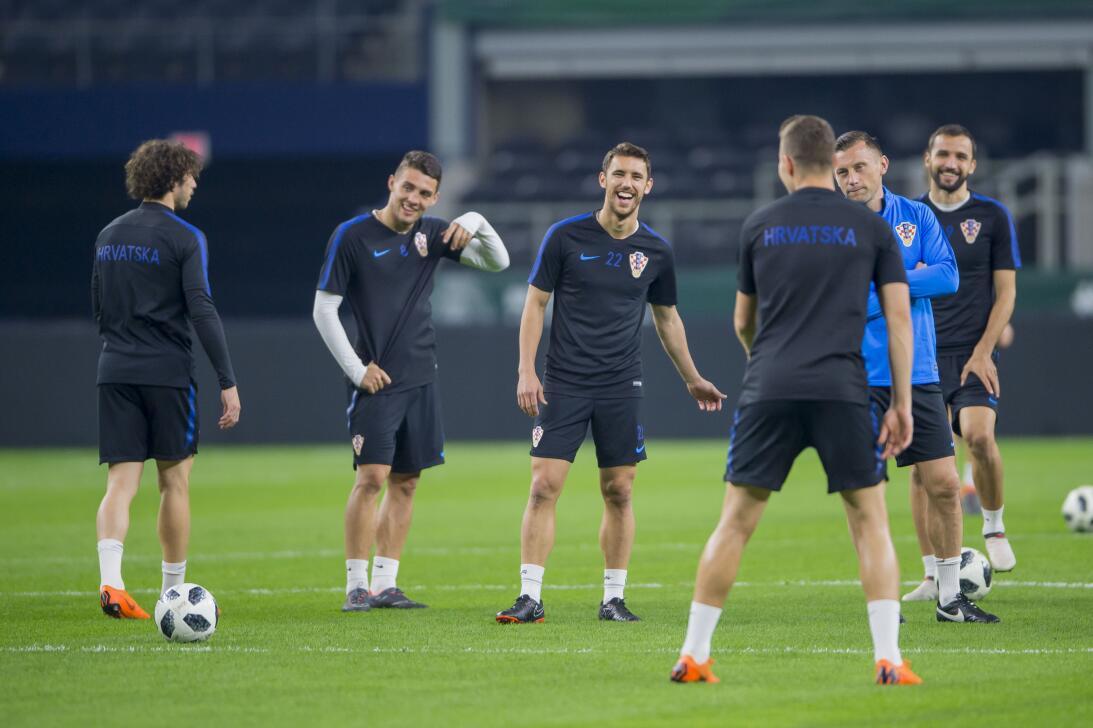 Zlatko Dalić, con Ivan Rakitic, Mateo Kovacic y Andrej Kramaric como gra...