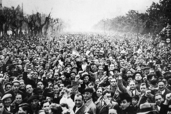 Sin embargo fue una época muy dura para España políticamente hablando, a...