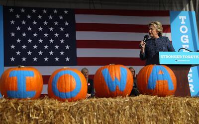 Clinton en un acto de campaña en Cedar Rapids, Iowa.