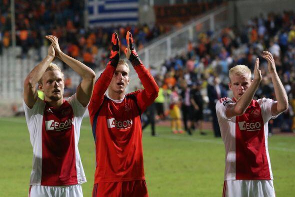Ajax se llevó un punto a Holanda luego de empatar con el APOEL