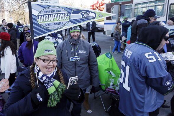 El frío y la espera valieron la pena para estos fans (AP-NFL).