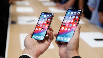Usuarios cuestionan el costo de los nuevos iPhone de Apple