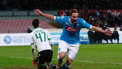 Gonzalo Higuaín hizo un doblete con el Napoli.