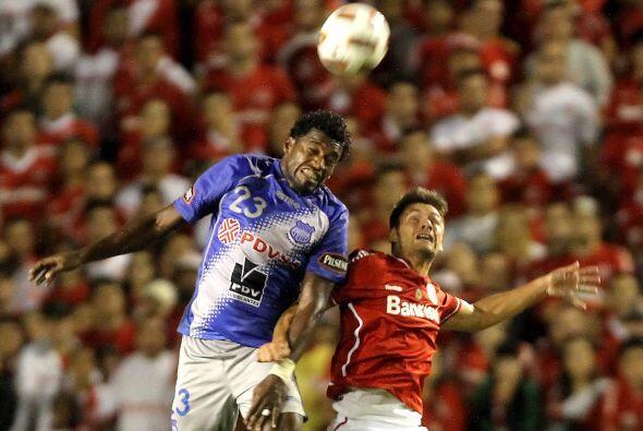 Emelec quedó eliminado apenas un punto por debajo del Jaguares de México...