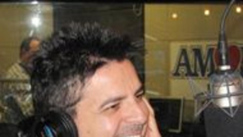 """Luis Enrique presenta """"Ciclos"""" en Amor 107.5 f85a21c0d3cf4a3aa322779f392..."""