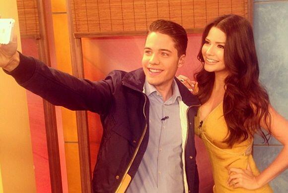 Ana Patricia lo recibió y tenemos la selfie de bienvenida.