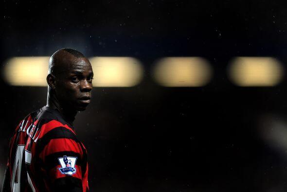 El goleador Mario Balotelli fue titular y sería protagonista del duelo.