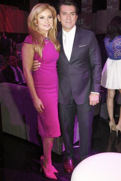 Por el momento disfruta de su matrimonio con la actriz Elizabeth Álvarez.