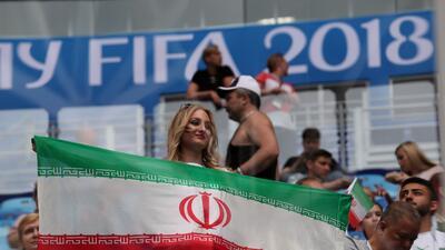 El Estadio San Petersburgo se iluminó con las fanáticas de Irán y Marruecos