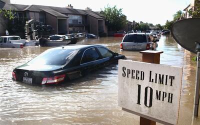 Entre 500,000 y un millón de autos quedaron inutilizables luego d...