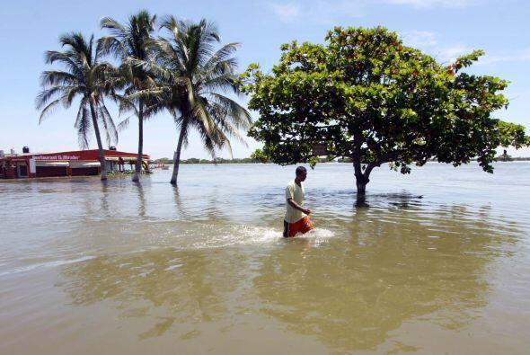 El paso del huracán Karl fue el que afectó a este estado, cuyos daños se...