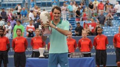 Roger Federer venció en tres sets al español David Ferrer.
