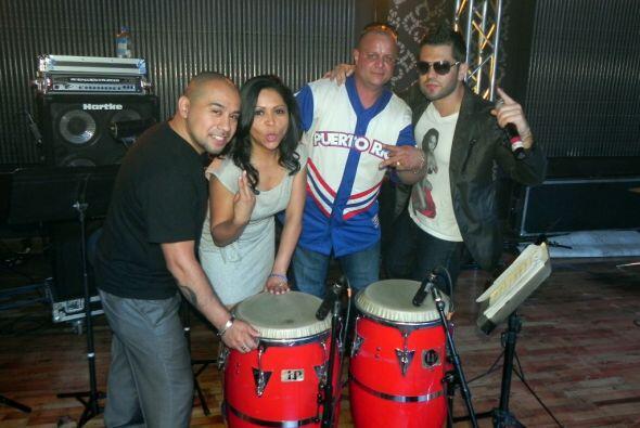 Junior Lopez, Aileen, El Mostro y Latino Omarcillo se tomaron la foto de...