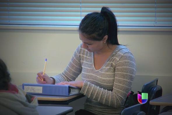 Para entender mejor la forma de ayudar a las latinas, la Fundación Eva L...