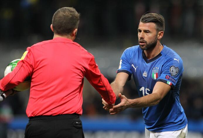 Barzagli, que vistió la camiseta de la selección por diez años, aseguró...