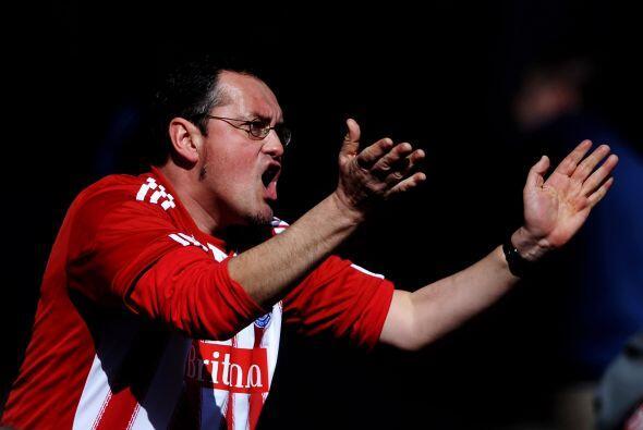 La afición local del Stoke exigía un triunfo de su escuadre.