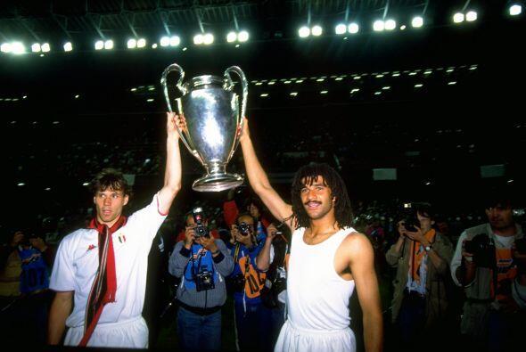 En 1989 el Milan de Arrigo Sacchi fue un más que justo campeón, goleando...