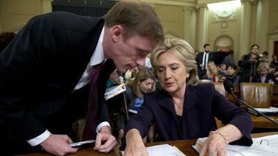 Clinton y Jake Sullivan, antiguo subordinado en el Departamento de Estado