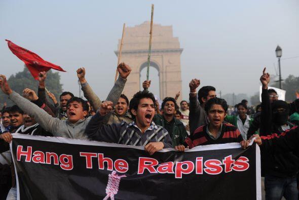 Las manifestaciones continuaron pese a que el ministro del Interior, Sus...