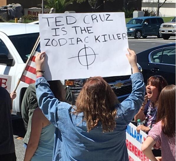 Manifestantes pro-Trump critican a Ted Cruz en Temécula, California