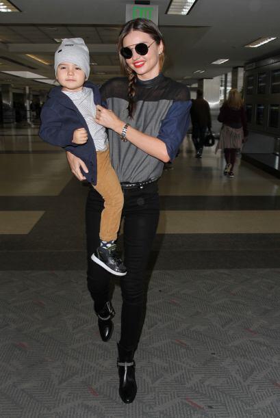 Miranda Kerr llevó en la semana unos ajustados 'jeans' negros y u...