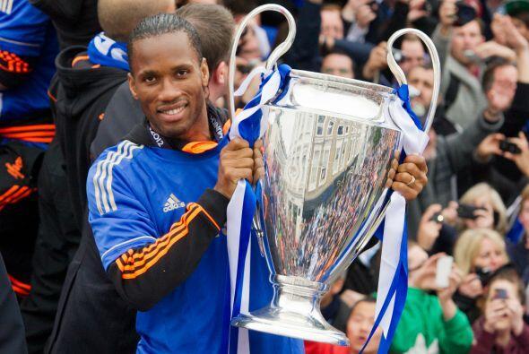 Didier Drogba, el gran héroe de Chelsea al marcar el gol en tiemp...