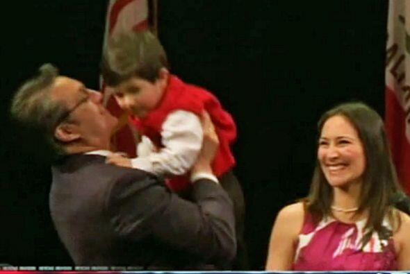 ENERO  Alguacil de SF Ross Mirkarimi acusado de golpear a su esposa El j...