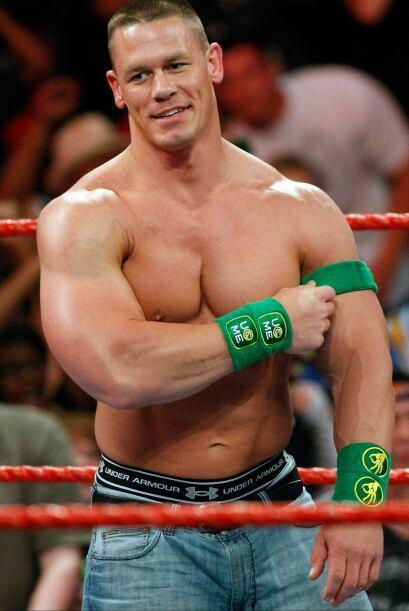 John Cena es uno de los luchadores favoritos del público. Es ex físicoco...