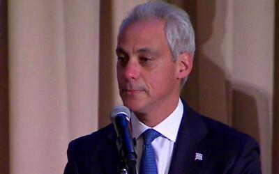 El alcalde de Chicago se refiere a las oportunidades que les brindarán a...