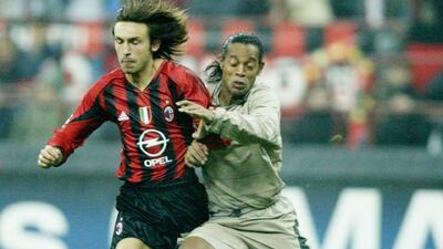 Los 10 Mejores | Ronaldinho hizo explotar el Camp Nou con este enganche y riflazo al ángulo ante el Milan