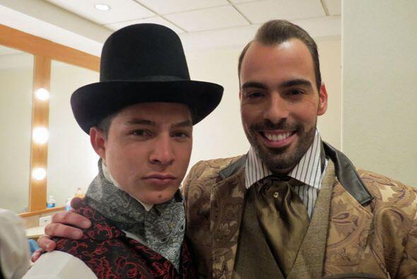Danny Montejo y Arias Martin también se concentraban antes del show con...