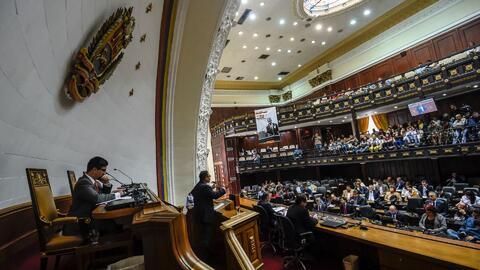 Parlamento venezolano se declara en resistencia tras el despojo de sus f...